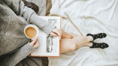 blog-reading-good-for-sleep-e1532279053275.jpg